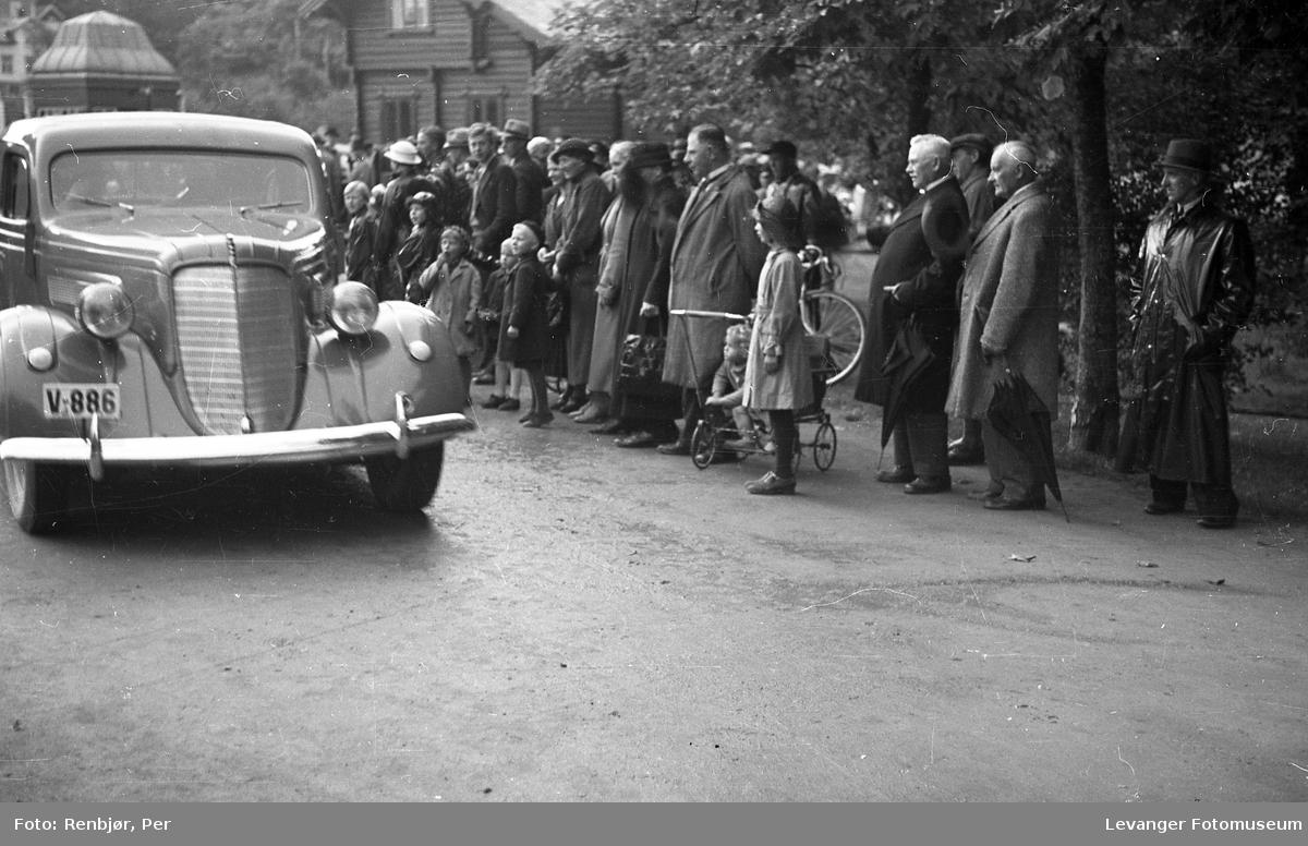Kronprins Olav på besøk i Levanger under byjubileet i 1936,