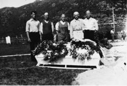 Begravelsen  til Berntine Iversen, Stangnes