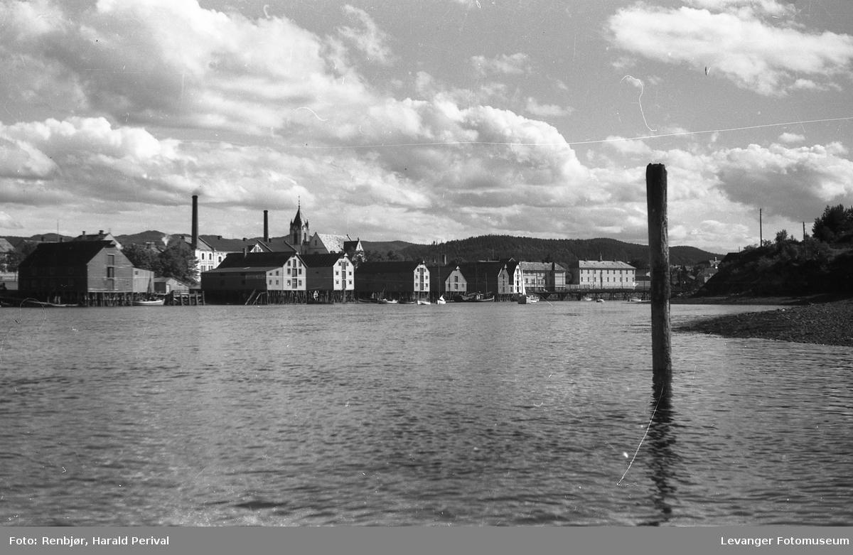 Levangersundet og  Byskolen.