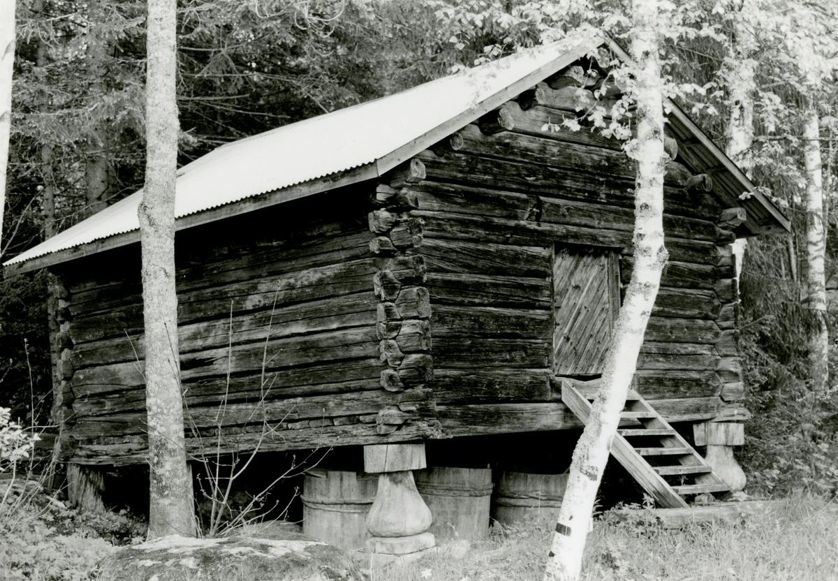 Stabbur på nordre Storruste, Hedalen, Sør-Aurdal.