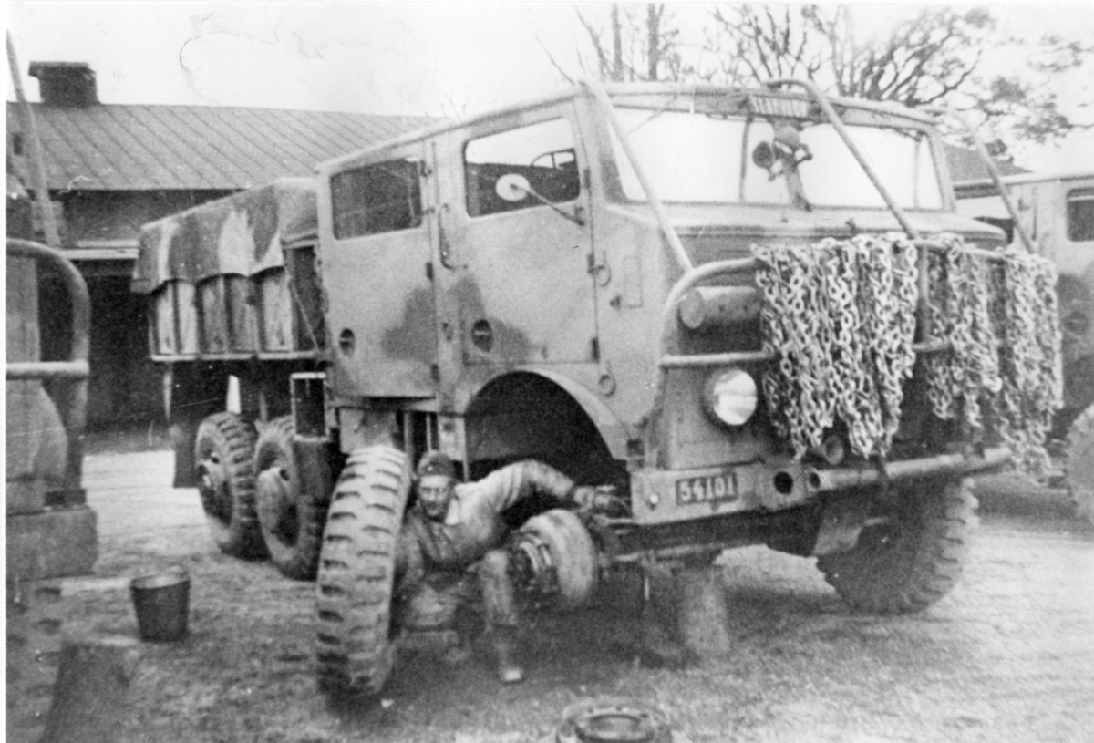 Terrängdragbil m/1942 typ TVC.