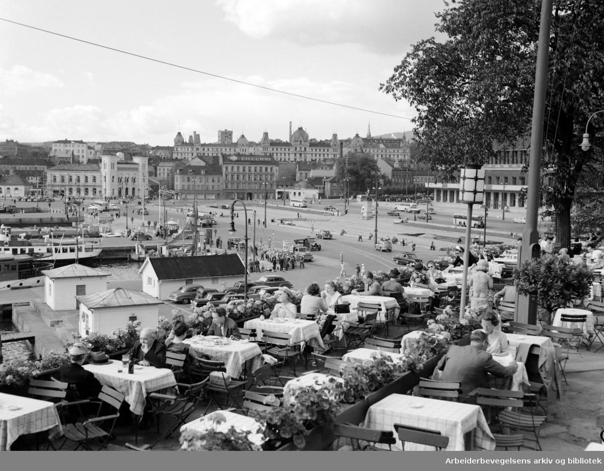 Skansen restaurant. Utsikt mot Vika. August 1954