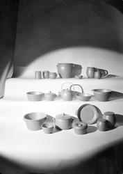 Keramik från Upsala-Ekeby AB, Uppsala 1942