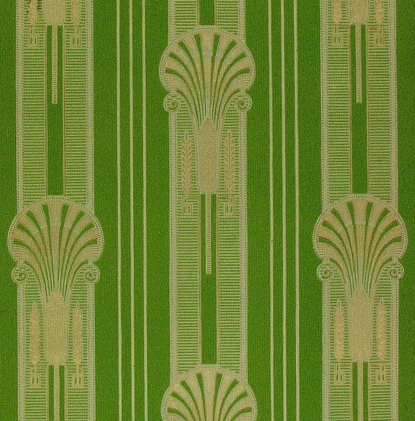 """Vertikalt randmönster med wienerjugendornament i diagonalupprepning. Tryck i klargrönt och guld på ett ljusgrönt genomfärgat papper.     Tillägg historik: Tapet från föräldrahem från 1842 vid Österlings i Stånga möjligen uppsatt till ett bröllop 1910. Tapeten satt i """"bästa kammaren"""" husets gästrum."""