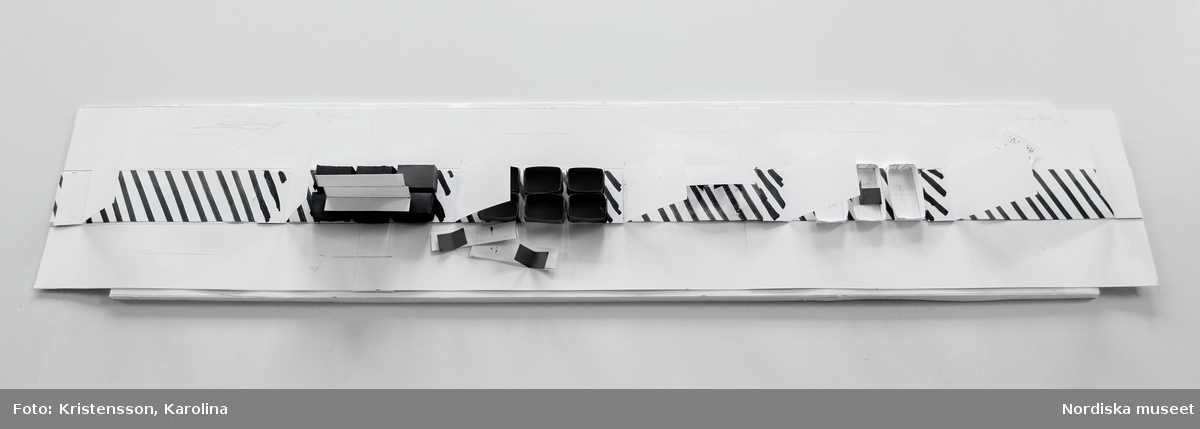 Ränder utställningsdokumentation, pappersmodellen. I dokumentationen ingår NMA.0063695-NMA.0063706