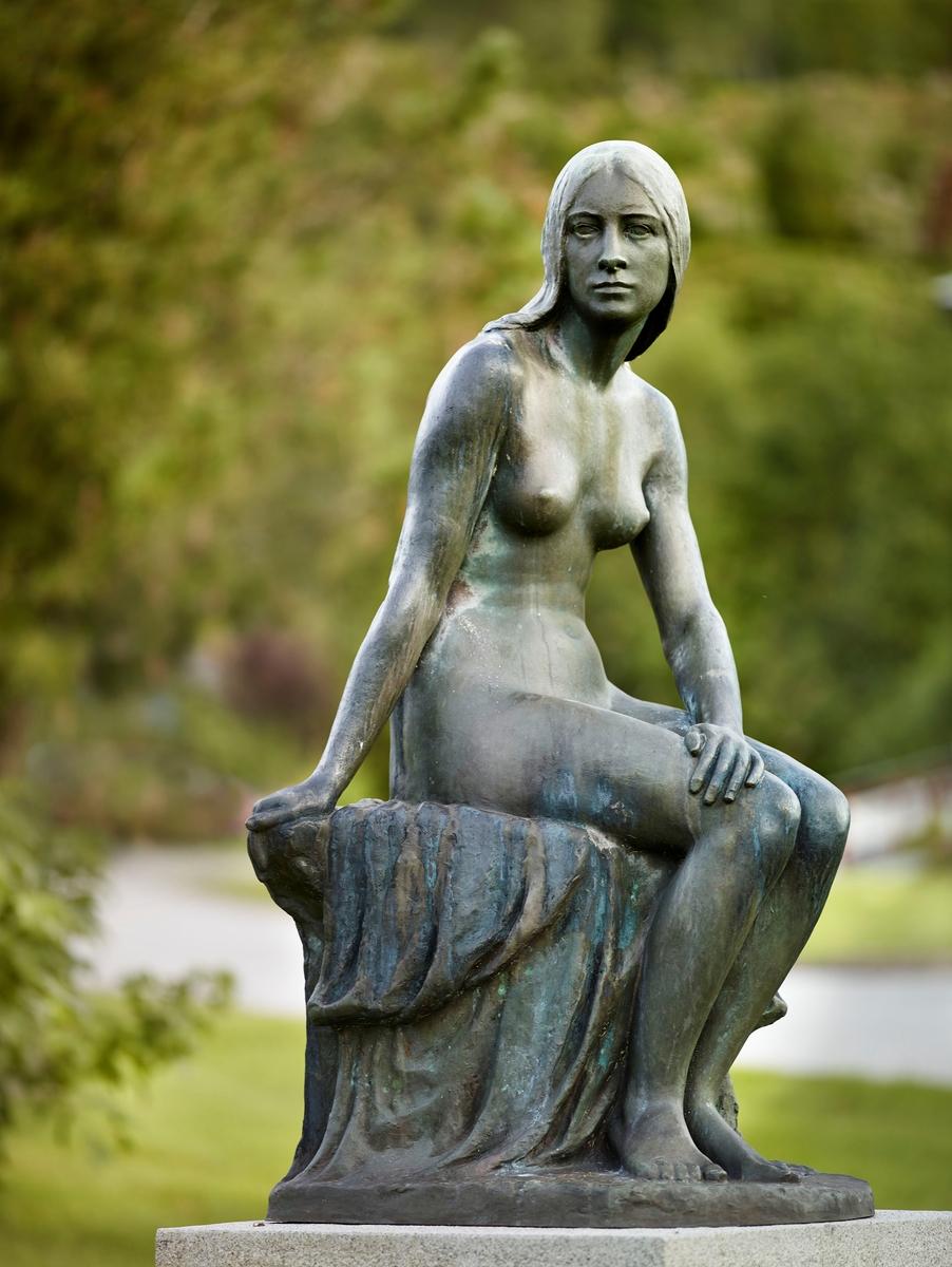 Støypt etter ASM 32 i gips til skulpturparken til Anders Svor Museum.