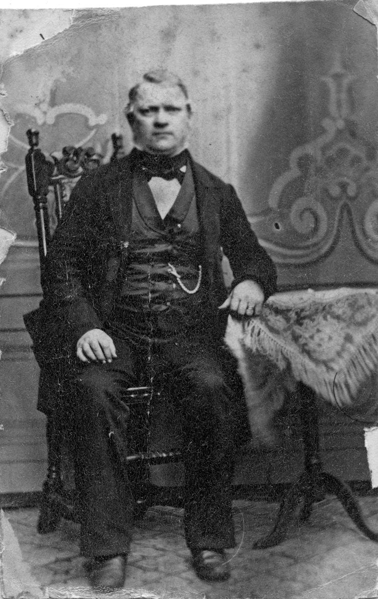 P.H. Ström, 1860-tal.Urmakare i Köping.)