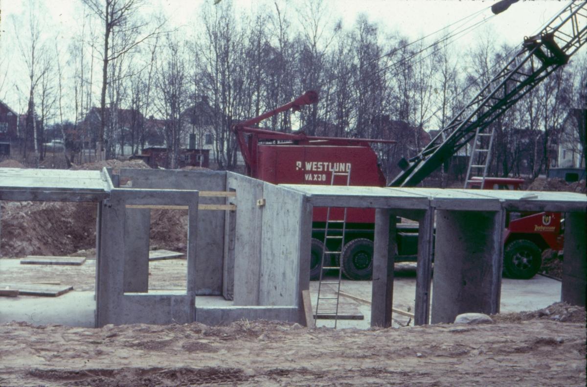 Kvarteren Lunden och Gläntan. Bilder från arbetsplatsen omkring 1967-68.