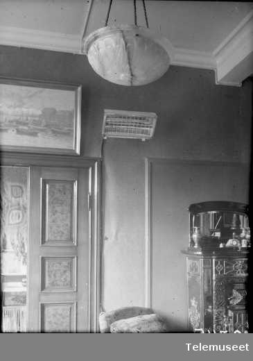Rex reflektorovn for vegg, Elektrisk Bureau.