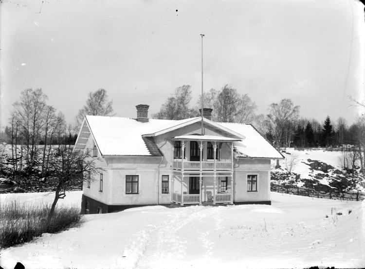 Kronkvarn, ombyggd till bostadshus för kraftverkets personal.Gullspångssamlingen. Bilder från Gullspång med omnejd.