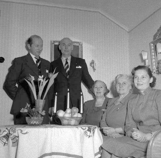 Julbesök hos Moster Svea Jansson i Falköping.