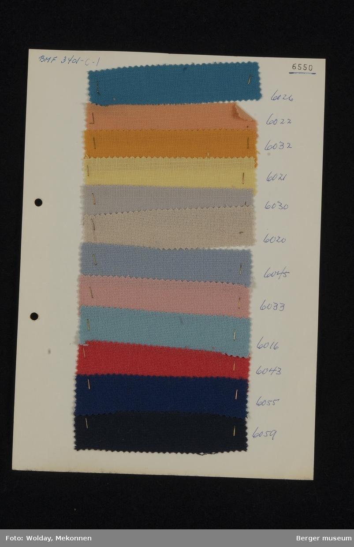 Ark med 12 prøver Drakt/kjole Kvalitet 6550 Stykkfarget