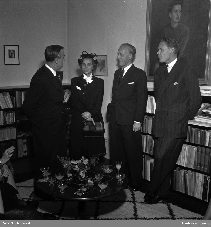 Cocktailparty hos läroverkets rektor Erik Boman.