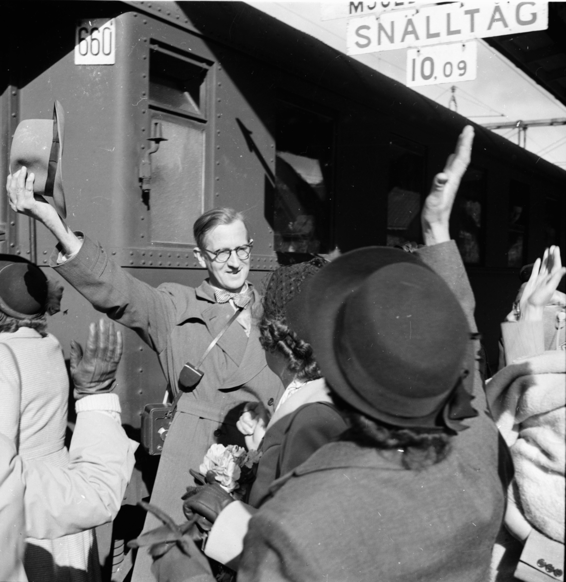 P.W Häger satte igång en insamling till Erland Andersson Bollnä, som var reumatiker genom tidningen Ljusnan och fick pengar för att resa till Kanarieöarna.