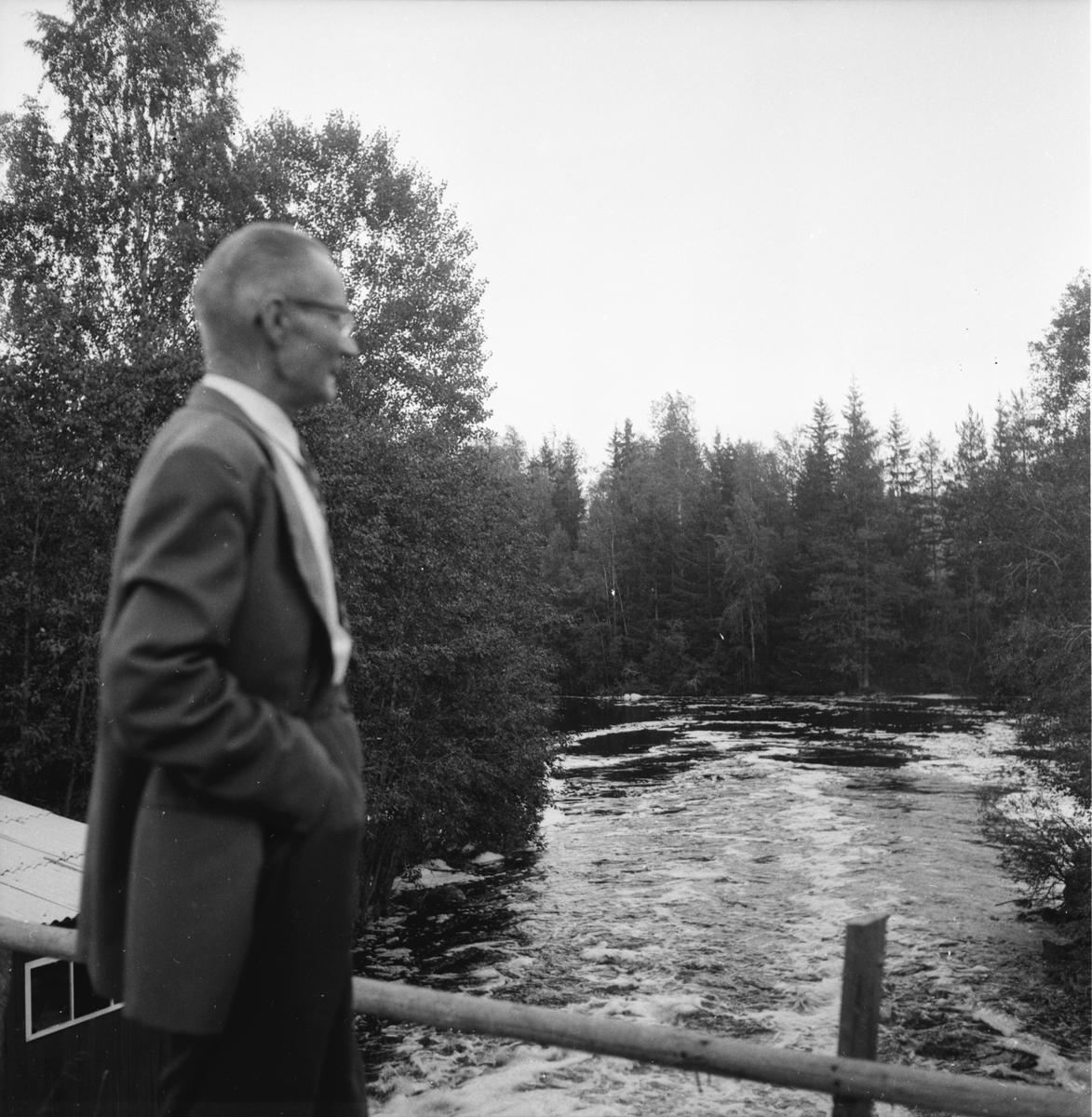 Siste liesmeden Johan Tjäder vid Olofsfors. Augusti 1958