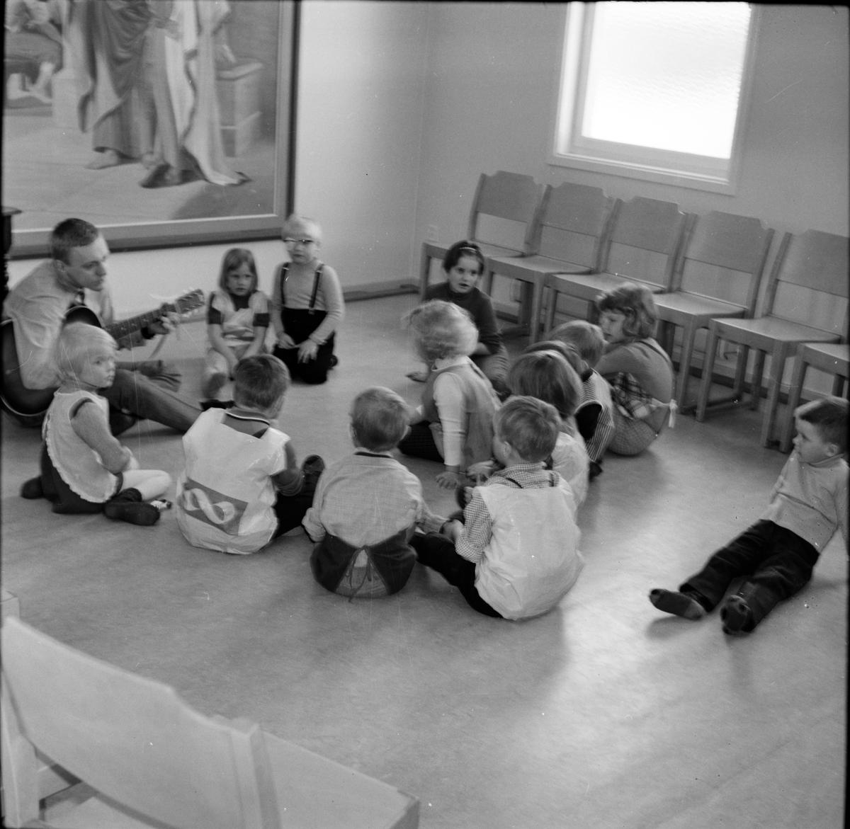 Vallsta, Lekskola i Missionskyrkan, Mars 1969