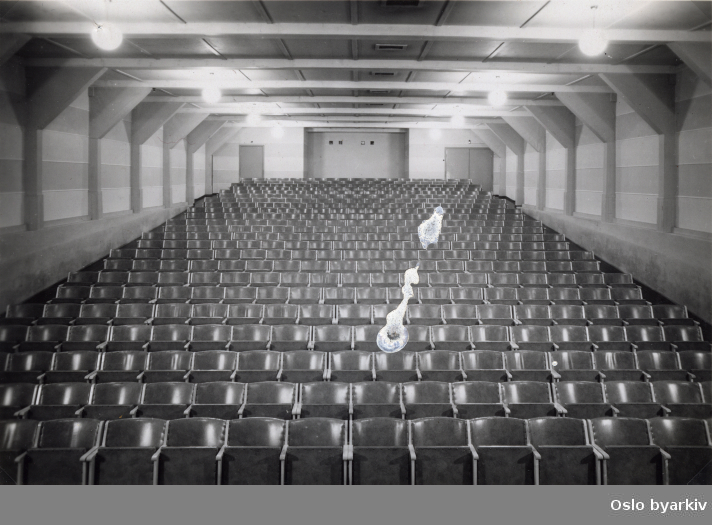 Kinosal mot amfi. Før overtagelsen 1948