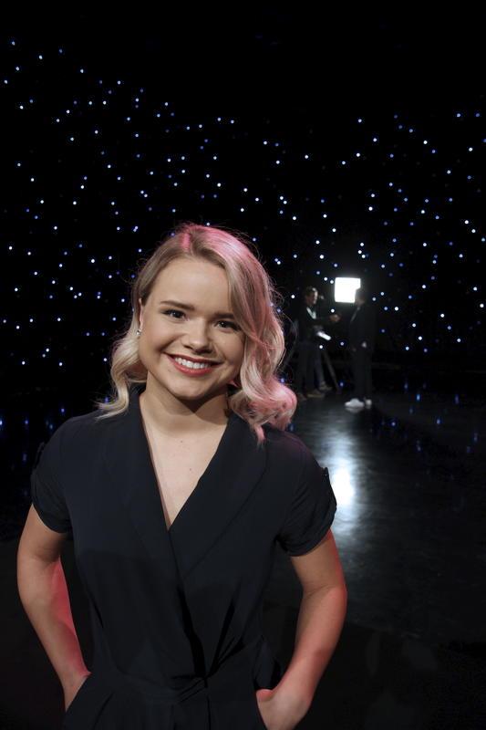 Stjerner i sikte. Lisa Børud er barnebarnet til Arnold. Hun debuterte som plateartist bare 5 år gammel og oppnådde raskt status som barnestjerne. Høsten 2017 ble hun kjent for et enda større publikum da hun deltok på Stjernekamp på NRK. (Foto/Photo)