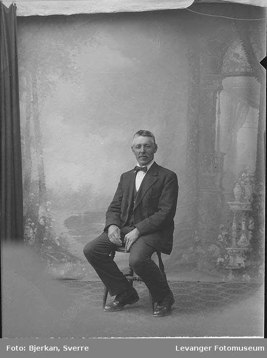 Portrett av Nikolaisen fornavn ukjent.