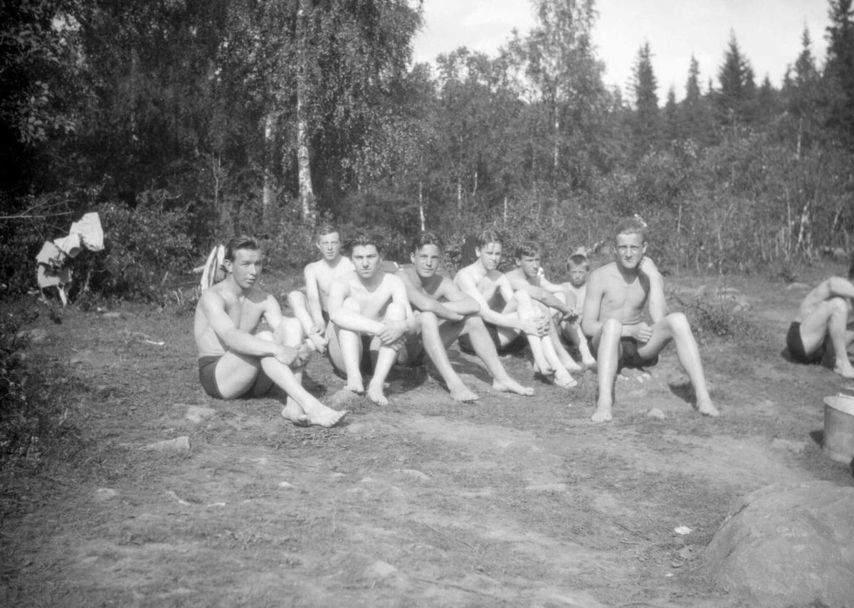 Gutter ved badedammen i Mesnaelva. Ved Stampesletta.