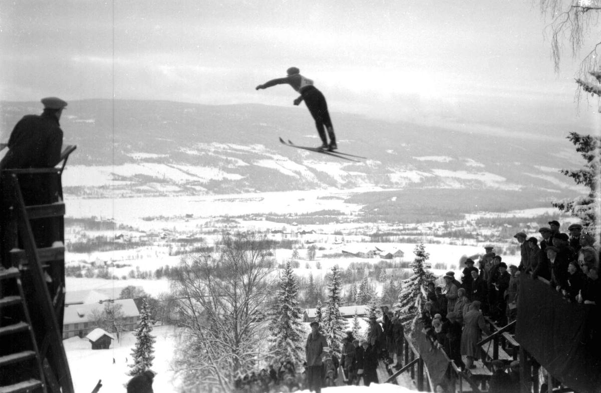 Hovedlandsrennet på Lillehammer i 1927. Hoppere i svevet.
