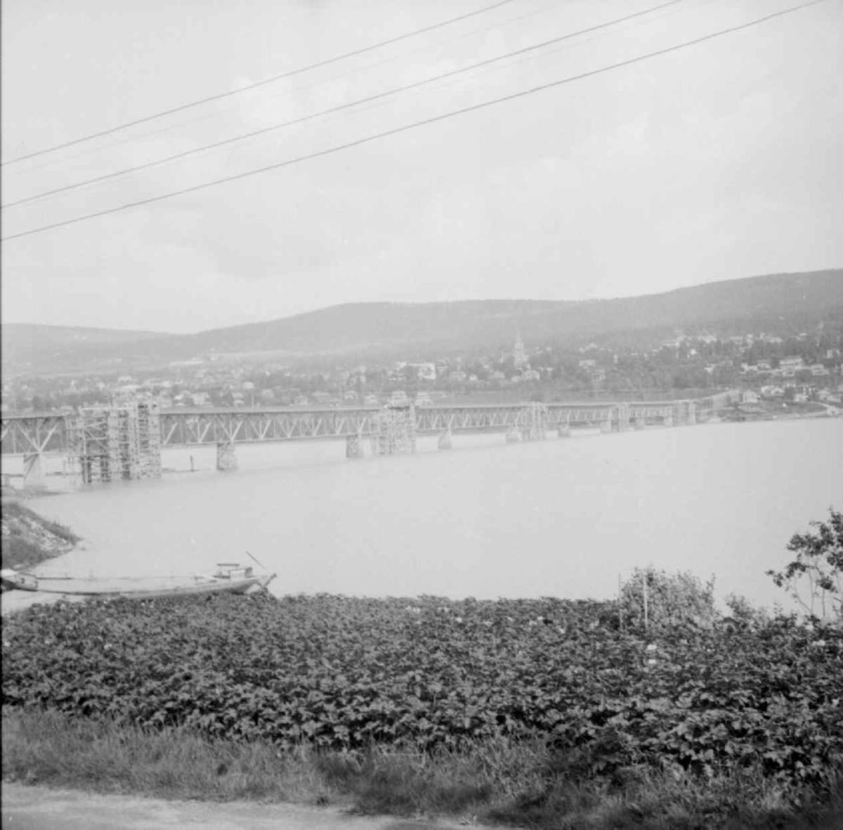Gjenoppbygging av Vingnesbrua juni 1941.