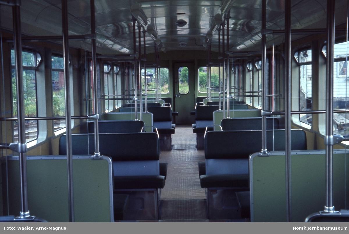 Ny T-banevogn nr 1032 til Oslo Sporveier, interiørfoto