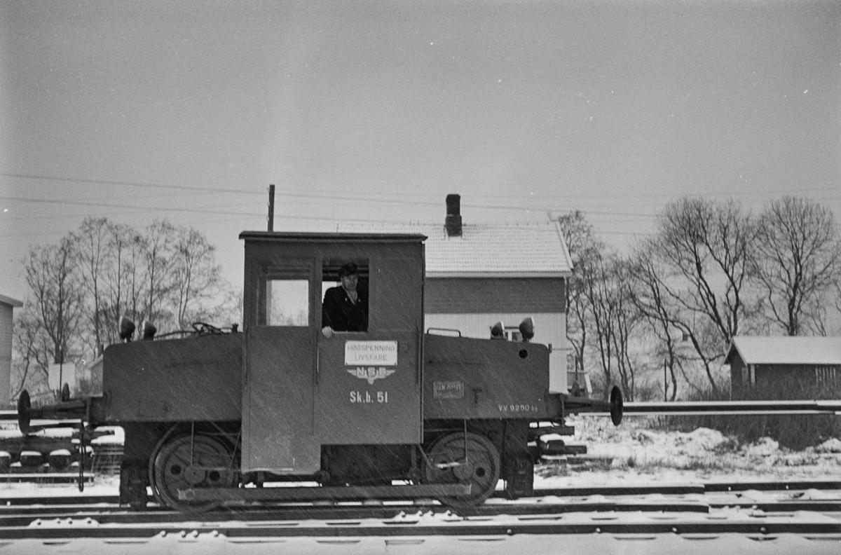 Skiftetraktor Skb 201 nr. 51 på Melhus stasjon.