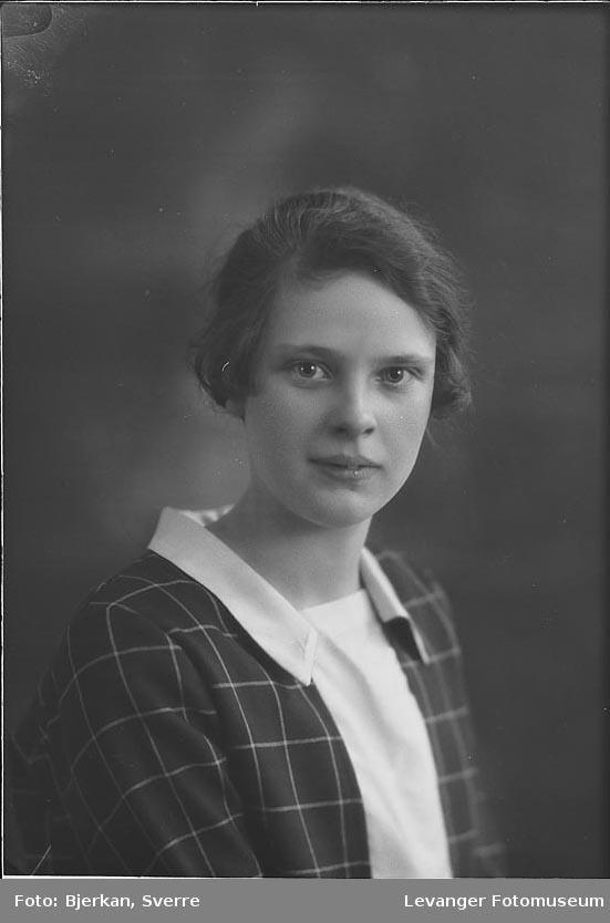 Portrett av Magnhild Hultgren