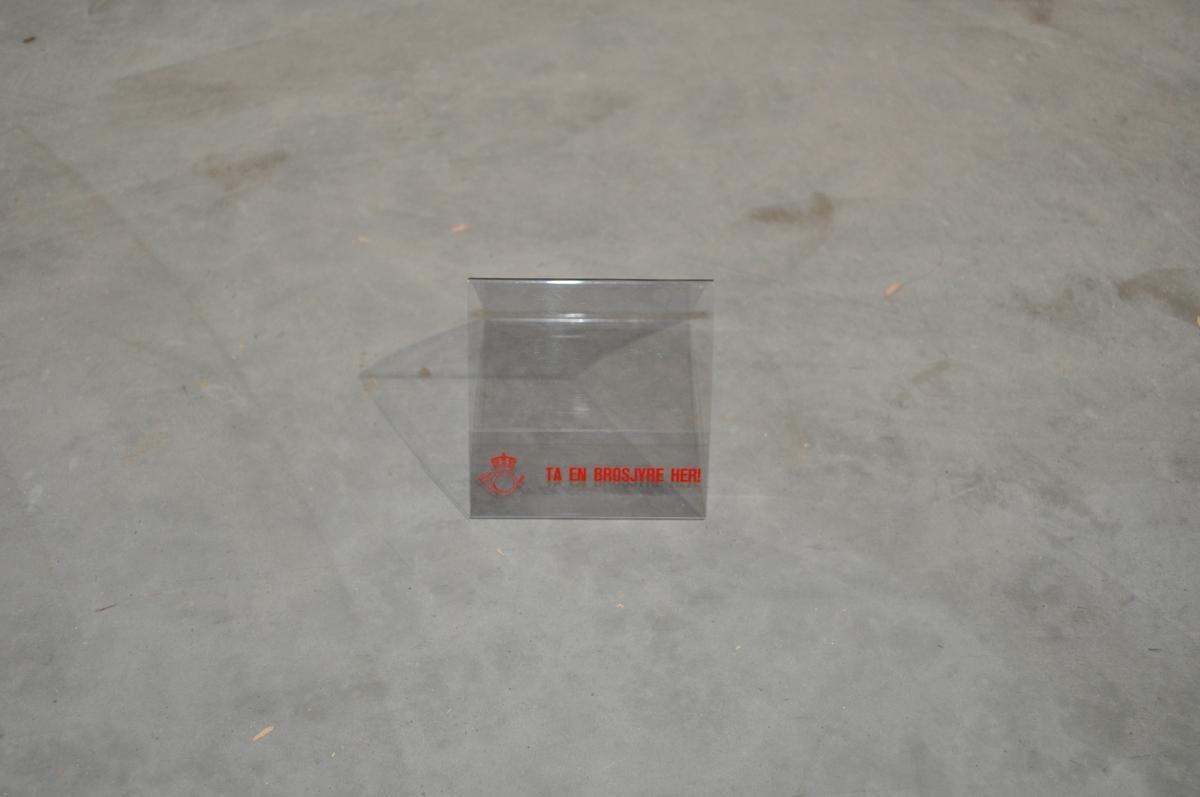 Trekantformet, stående brosjyreholder holder i gjennomsiktig plast