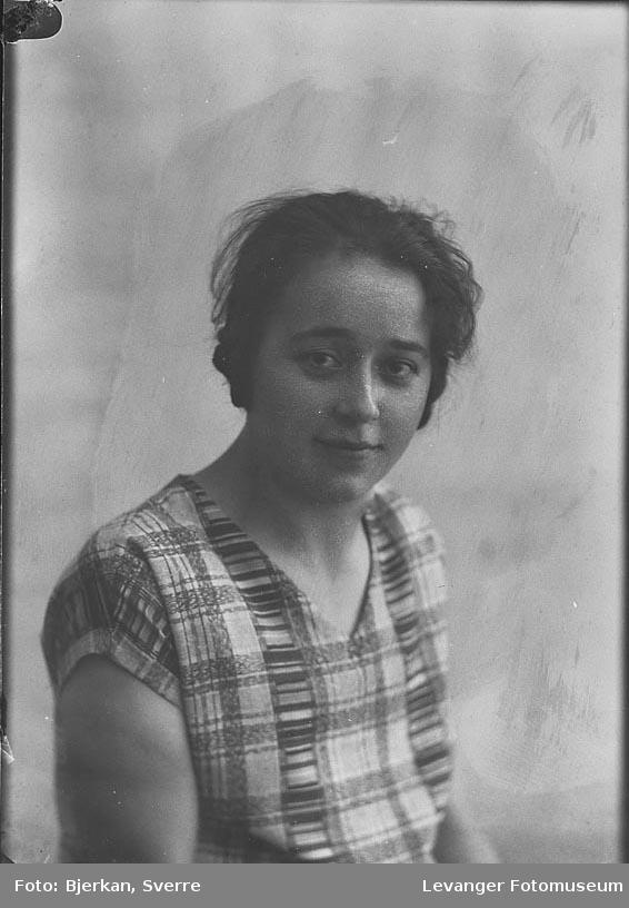 Portrett av Olga Viken