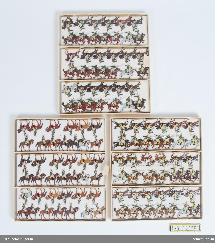 Kavalleri från Frankrike från Napoleonkrigen. Tre lådor med figurer. Fabriksmålade.