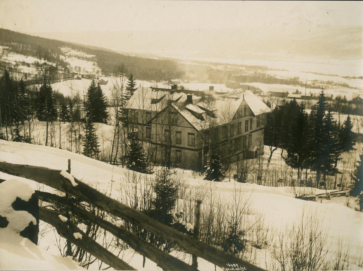 Lillehammer. Langseth Hotel, Messenlivegen.