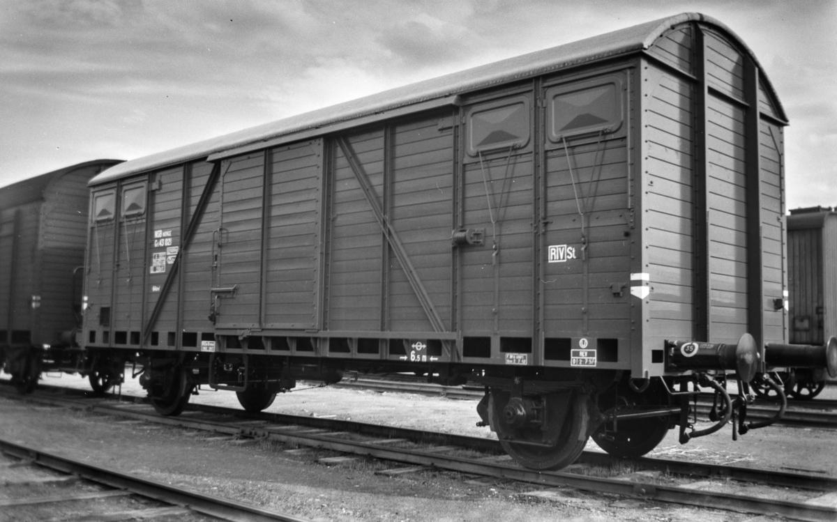 Normalsporet godsvogn type G5 nr. 43021.