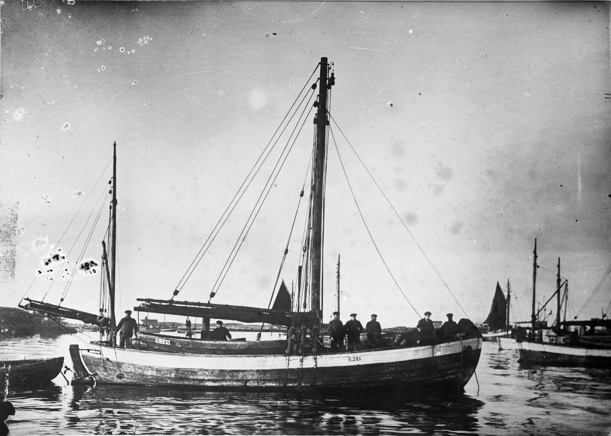 Fiskeskøyte Reg. R243