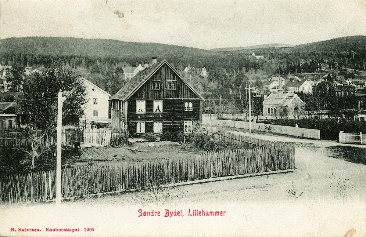 Repro: Utsikt over Lillehammer, søndre bydel med Hammer gård, bebyggelse, postkort.