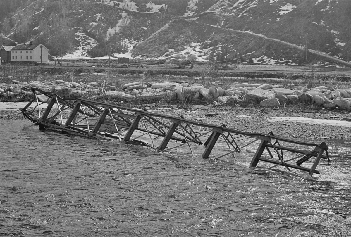 Flomskadet veibro ved Flornes langs Meråkerbanen