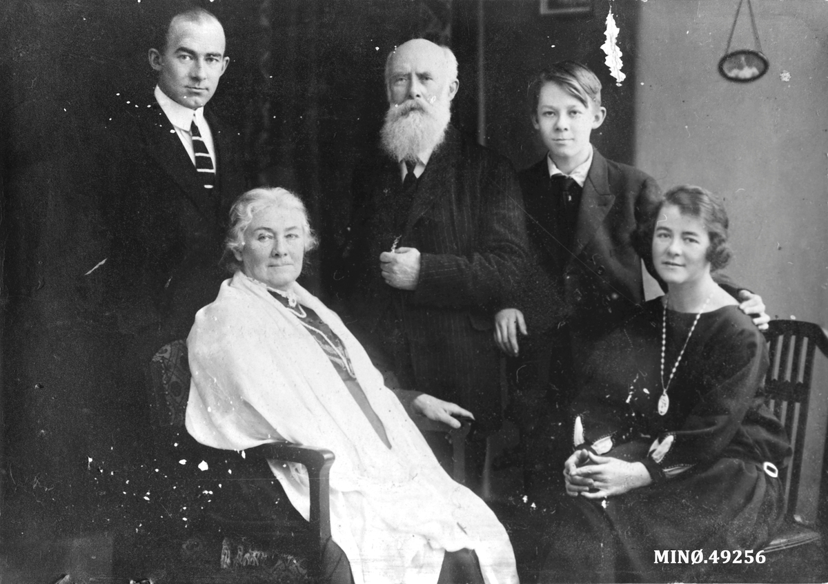 Familien til Ivar Mortenson Egnund.