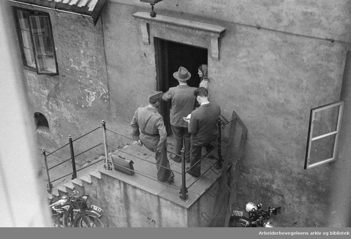 Møllergata 19. Eksteriør. Juni 1946