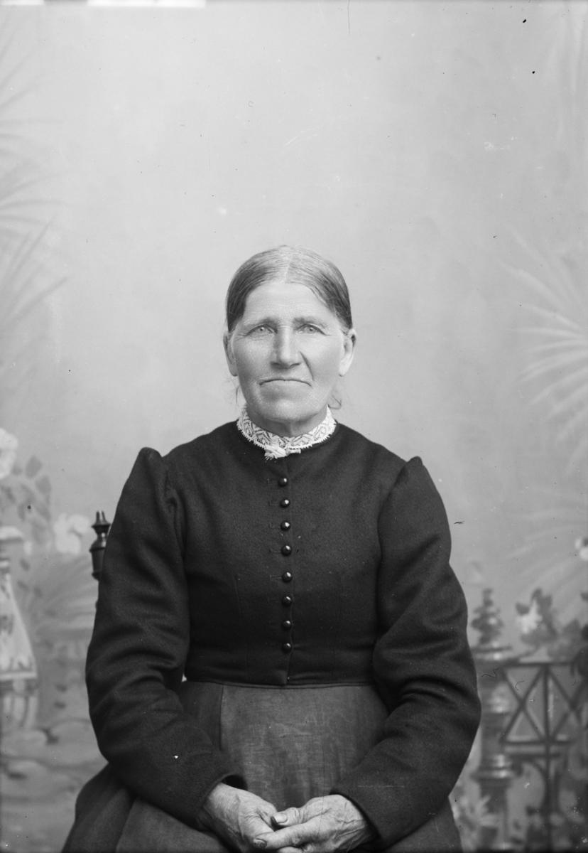 Portrett av Marit B. Øverliebakken