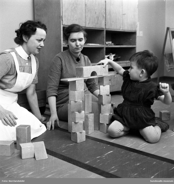 Barnverksamhet för funktionshindrade barn i epidemins lokaler på Ludvigsbergsvägen.