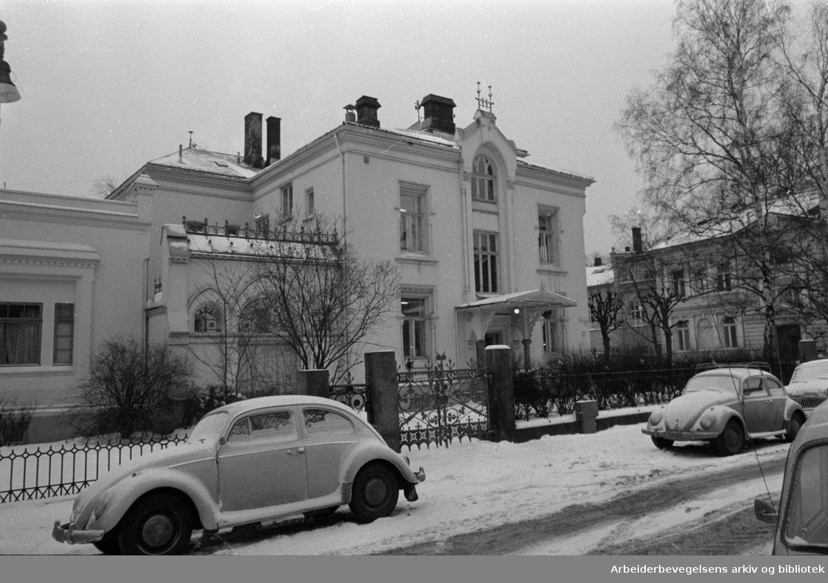 Inkognitogt. 16, der Bondelaget har etablert sitt hovedkvarter i et bolighus. Desember 1966