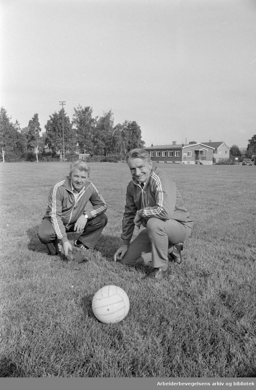 Grefsen Stadion. Kåre Myhre (t.h.) og Bjørn Rønning..September 1975