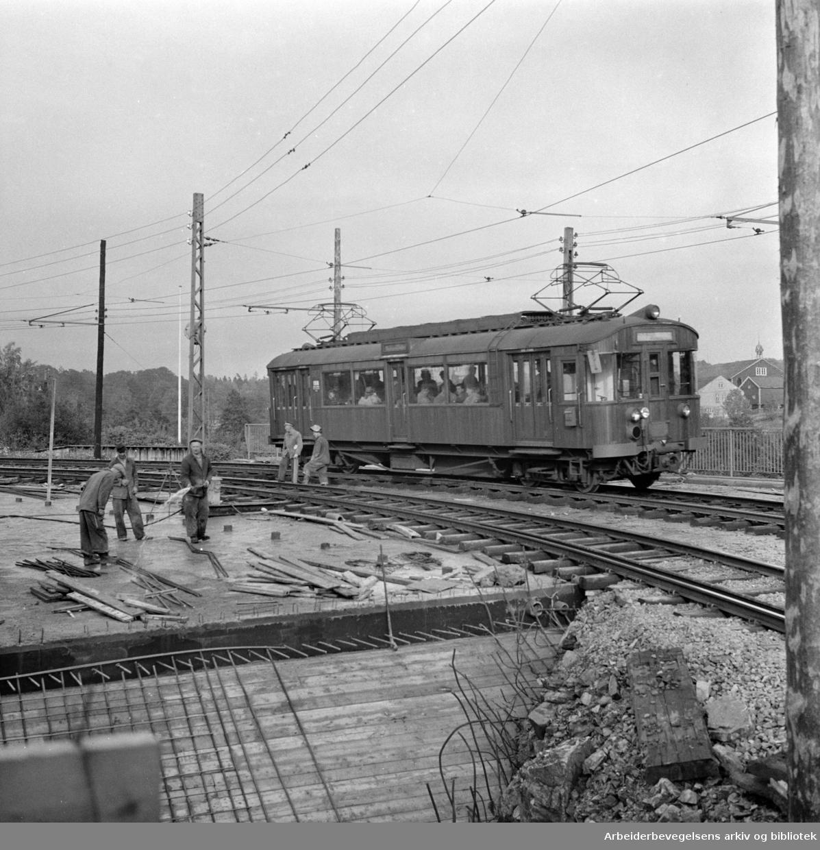 Gaustadbrua. Første trikk over. Oktober 1957