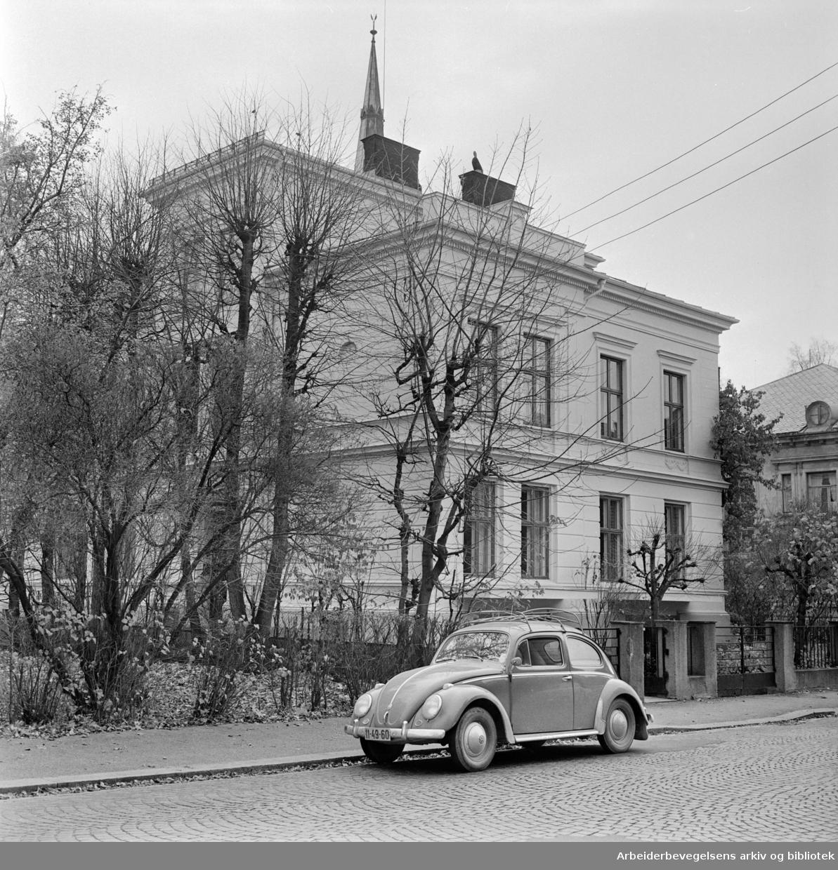 Eilert Sundtsgt. 33. Norges Hørselverns attføringsbygg..November 1961
