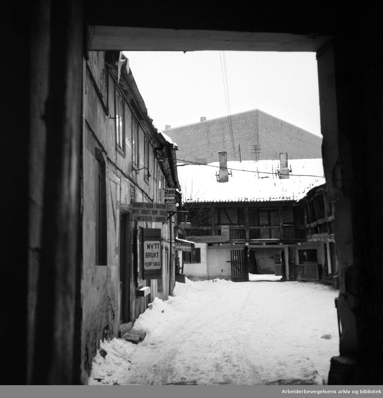 Brugata 6. (Fredet). Februar 1954