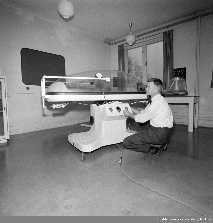 Blindern. Forsknings-sentret. Sentralinstituttet for industriell forskning. (SI). Interiør. Februar 1960