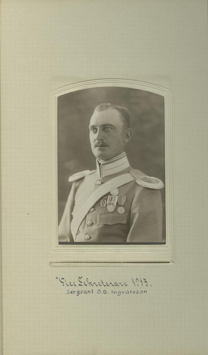 Porträtt av O. B. Ingvarsson, sergeant vid Livgardet till häst K 1.