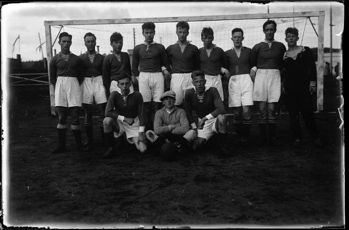 Alingsås Idrottsförenings första fotbollslag.