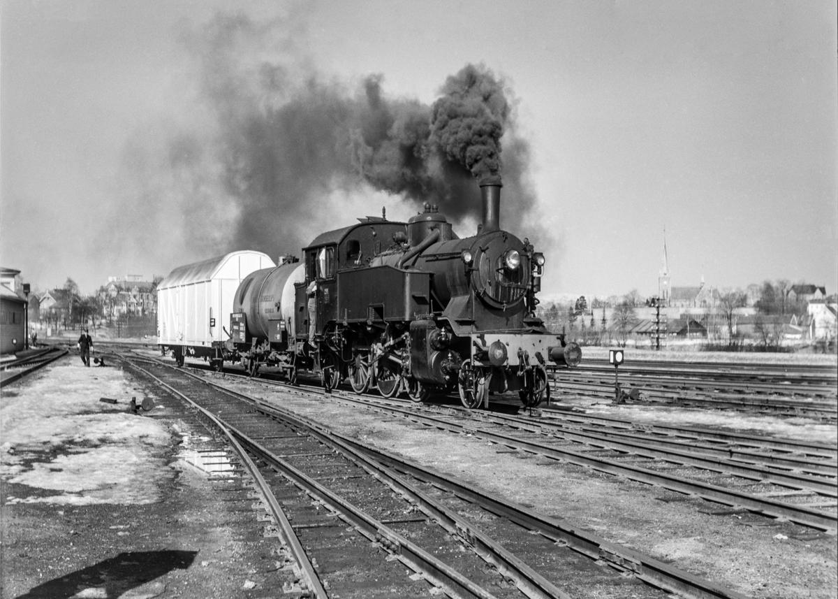 Damplokomotiv type 32a nr. 291 i skiftetjeneste på Marienborg.